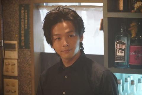 中村倫也主演『珈琲いかがでしょう』第3話 戸次重幸、筧美和子、滝藤賢一は女装で登場