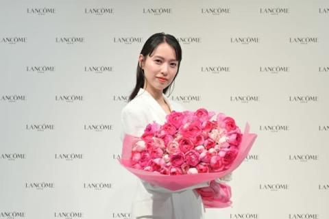 戸田恵梨香、得意のゲームで美容液100本贈呈に笑み「どのくらいで使い切れるんだろう」