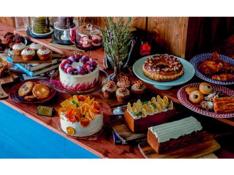 海外テイストの空間で華やかなスイーツを楽しめるカフェが青山にOPEN!