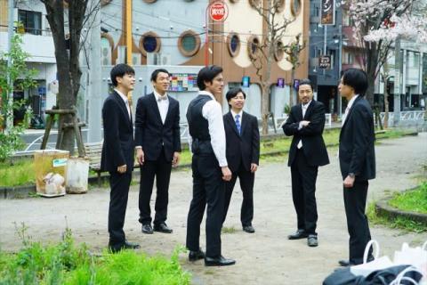 成田凌ら、みんなでちゃわちゃダンスの練習動画公開 映画『くれなずめ』