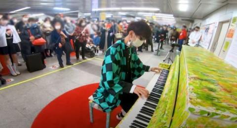 生計立て辛かったピアニスト…YouTuberの台頭で変わる需要