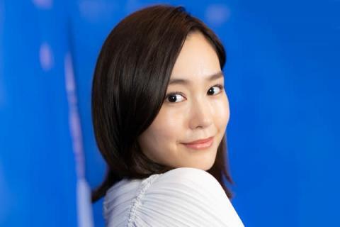 桐谷美玲、ルームウェアでくつろぐ「すっぴん綺麗すぎる」「この可愛さでママなんて」