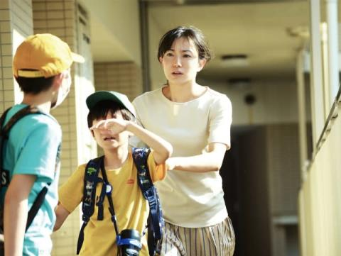 菅野美穂主演、映画『明日の食卓』ワンオペ育児のラスボス夫にイラッ 本編映像解禁