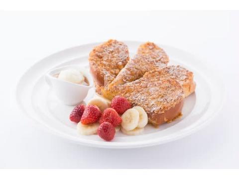 アメリカを代表する朝食4種を一度に楽しめる「サンシャイン フレンチトースト」