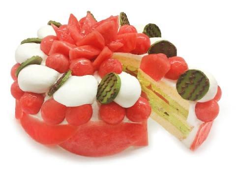 """「カフェコムサ」に夏の美味しい風物詩""""スイカ""""を使用したショートケーキが登場"""