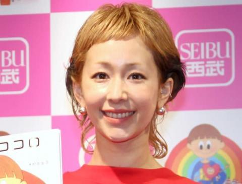 """木村カエラ""""レインボーヘアカラー""""公開「インコみたい」「なんて素敵な髪色…!!」"""