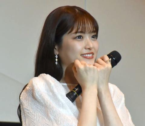 松村沙友理、乃木坂46卒業もアイドル卒業せず? 全力笑顔で「テへっ」