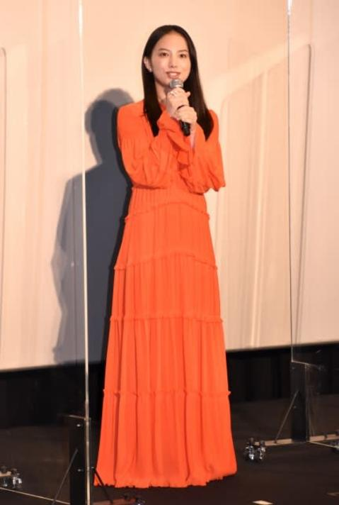 """清原果耶、鮮やかオレンジドレス姿で会場魅了 """"ほっこり回答""""で和ませる"""