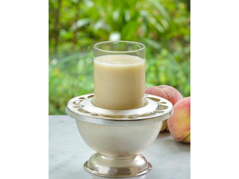 桃を丸ごと一個使用!期間限定「もものみっくすじゅーす」が発売中