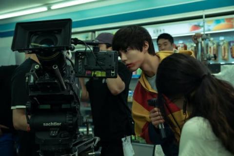 映画『SEOBOK/ソボク』コン・ユ&パク・ボゴムのインタビュー入りメイキング公開