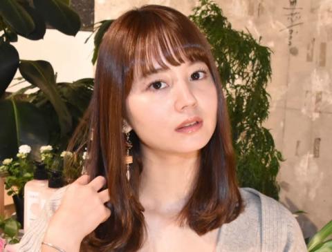 NANAMI、胸元チラリなイメチェン写真「色気やばすぎ」「半目でさえも可愛い」