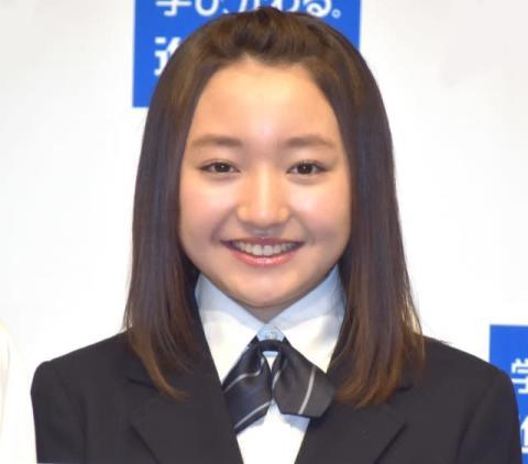 谷花音、米国留学終え帰国 近影写真に「大人っぽい表情に」「再会がうれしい」