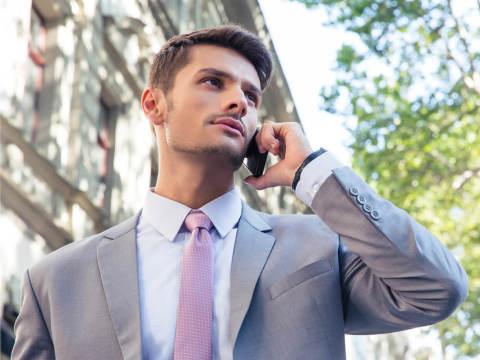 多忙な男性を好きになったとき、有効な「アプローチ」は…