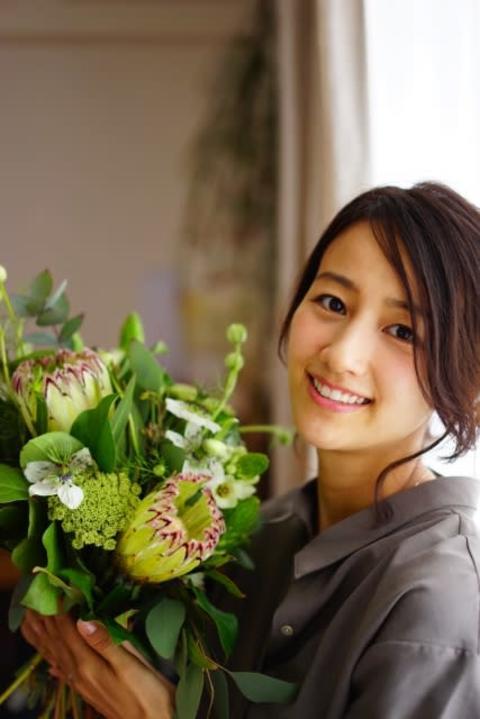 """前田有紀さん、キューサイとコラボ 色鮮やかな花など用いた""""内側から健康&美しさ支える""""ビジュアル制作"""
