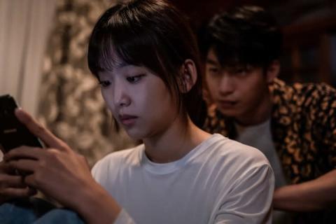韓国映画『殺人鬼から逃げる夜』緊迫感と狂気に満ちた場面写真13点解禁