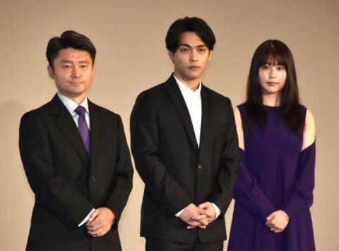 三浦春馬さん出演映画が封切り 黒崎監督が本音「春馬くんがここにいない。すごく悔しい」