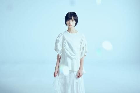 平手友梨奈、新人女性騎手役でNHKドラマ初主演「馬に対する想いを強く持って向き合う」