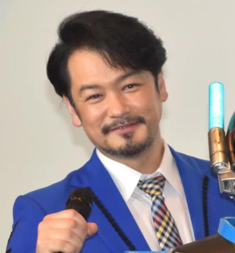 純烈・小田井涼平、MCの山本康平をイジり倒す「いないから言うんやけど」