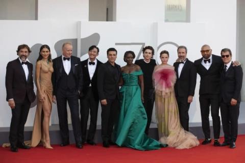 """""""プリンス・オブ・ハリウッド""""ティモシー・シャラメ、ベネチア映画祭に降臨"""
