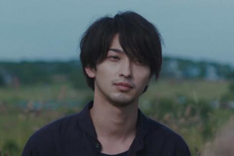 『DIVOC-12』藤井道人監督チームの予告映像解禁 切ない表情の横浜流星ら場面写真も