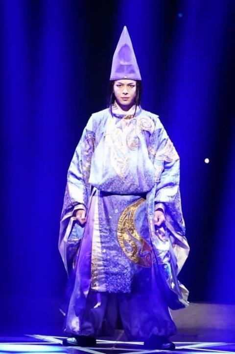 中村倫也、主演舞台幕開けでゆるーく意気込み「ヘラヘラと汗をかいております!」