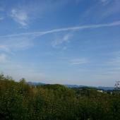 空とひこうき雲