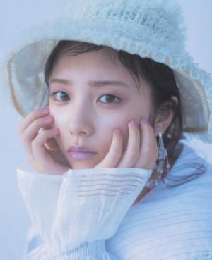 乃木坂46与田祐希が魅せるメルティーカラー 幻想的な雰囲気をまとう