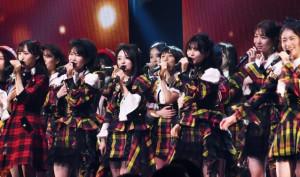 "AKB48、1年9ヶ月ぶり単独コンで""15年目の挑戦"""