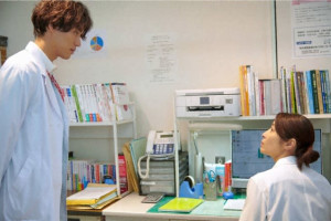 福士蒼汰主演『神様のカルテ』第三夜、水野美紀演じる優秀な医師が波紋を呼ぶ