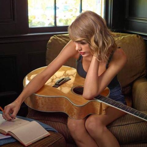 Taylor Swift Fan Club(Taylor Swiftを全て愛するもの達より)